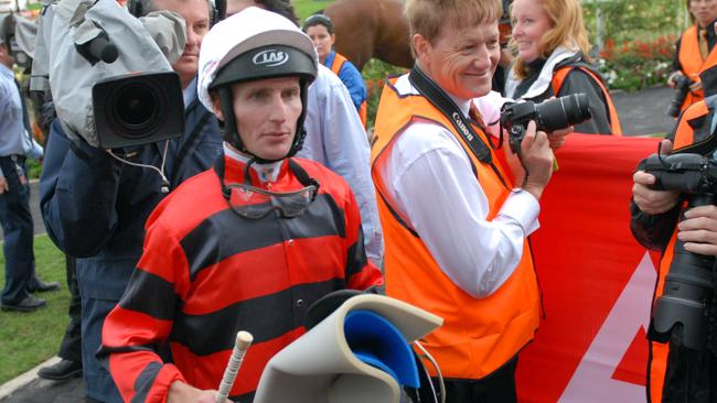 Top jockey Brad Rawiller says if jockeys lose their nerve, they have to give it away.