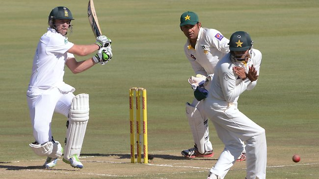 AB de Villiers of South Africa hits out during the day 1 of the Third Test match against Pakistan.