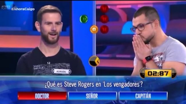 "Alberto's competitor watched on in disbelief as he chose the incorrect answer of ""doctor"". Picture: Antenna3 TV"