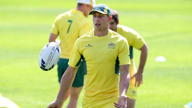 Sam Myers prepares for Australia's clash against England.