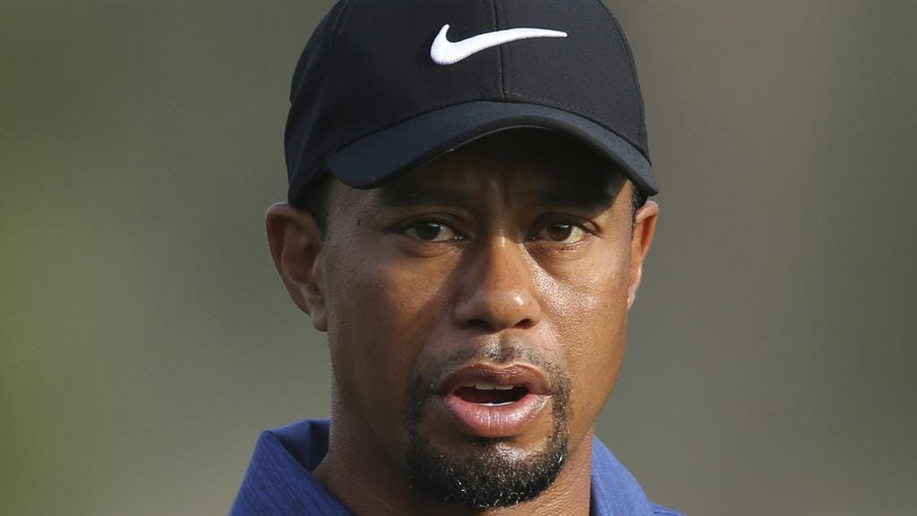 Tiger Woods has slipped out of the world's top 1000 for the first time in his career.