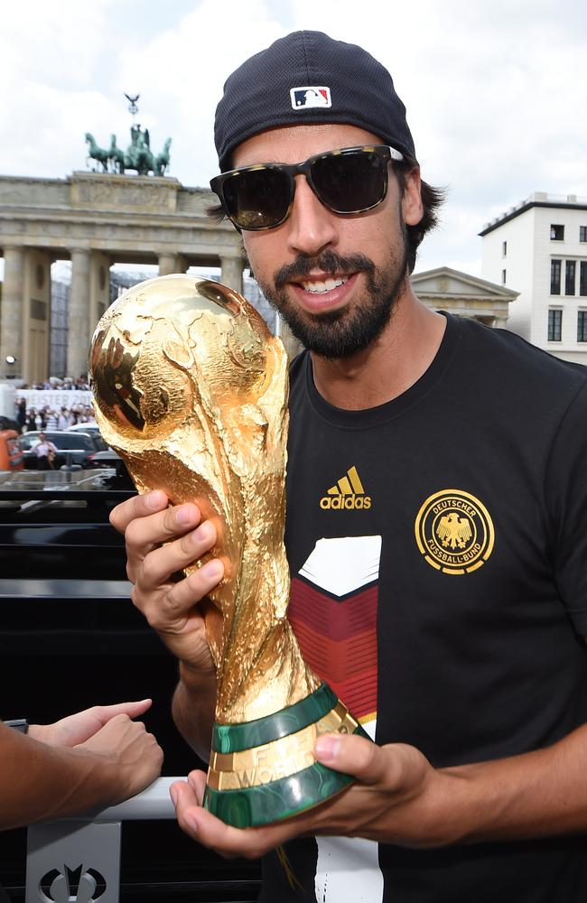 Sami Khedira has been urged by Lukas Podolski to join Arsenal from Real Madrid.
