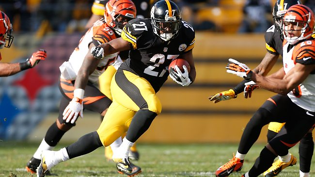 Jonathan Dwyer #27 of the Pittsburgh Steelers looks for running room while playing the Cincinnati Bengals at Heinz Field on December 23, 2012 in Pittsburgh, Pennsylvania. Gregory Shamus/Getty Images/AFP
