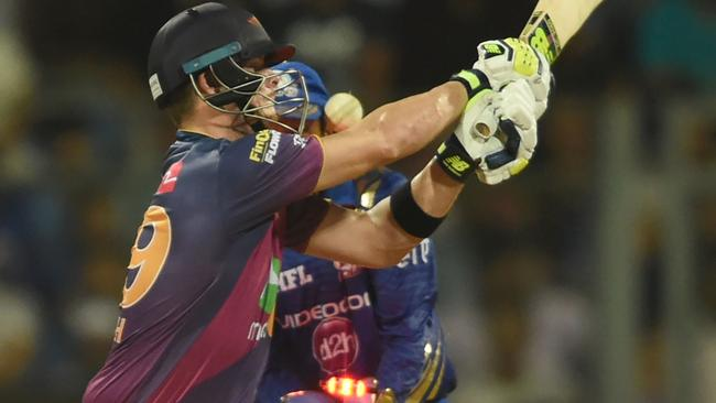 Harbhajan gets Smith in IPL thriller