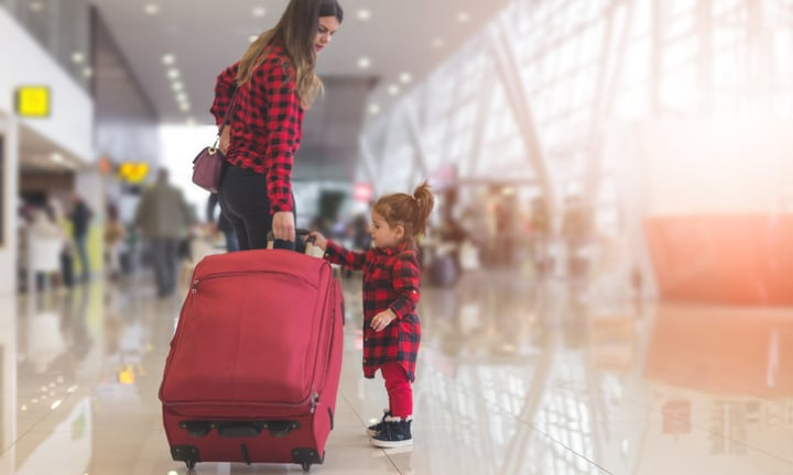 What to wear on the plane when you're a mum
