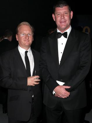 A who's who ... Daily Telegraph editor Paul Whittaker and casino tycoon James Packer. Picture: Richard Dobson
