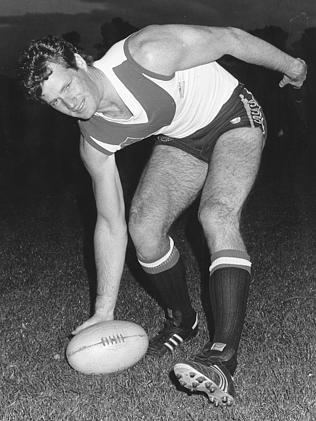 Grant O'Brien playing AFL for Clarence in Tasmania in May 1986.