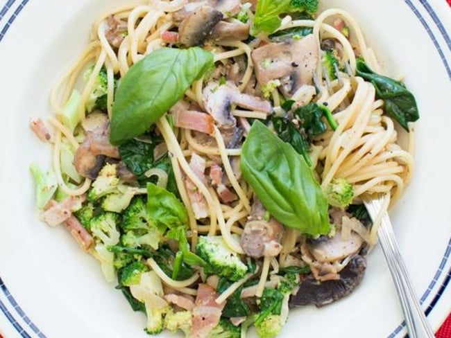 One of the My Own Food Bag dishes — spaghetti with bacon, mushrooms and broccoli.