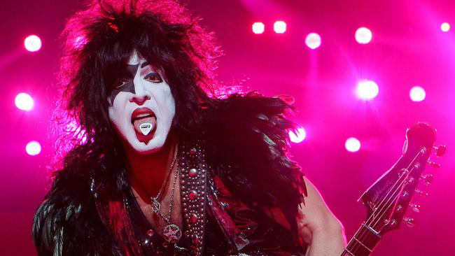 Is Paul Stanley Gay 90