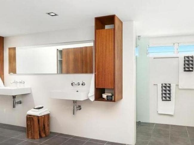 The generous ensuite of the Warriewood home.