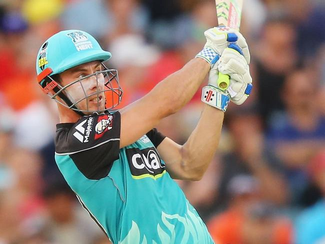 PERTH, AUSTRALIA - JANUARY 05:  Chris Lynn of the Heat hits a six during the Big Bash League match between the Perth Scorchers and the Brisbane Heat at WACA on January 5, 2017 in Perth, Australia.  (Photo by Michael Dodge/Getty Images)