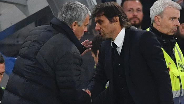Chelsea's Italian head coach Antonio Conte (R) shakes hands with Manchester United's Portuguese manager Jose Mourinho (L) after the final whistle of the English Premier League football match between Chelsea and Manchester United at Stamford Bridge in London on October 23, 2016. / AFP PHOTO / BEN STANSALL / RESTRICTED TO EDITORIAL USE. No use with unauthorized audio, video, data, fixture lists, club/league logos or 'live' services. Online in-match use limited to 75 images, no video emulation. No use in betting, games or single club/league/player publications. /