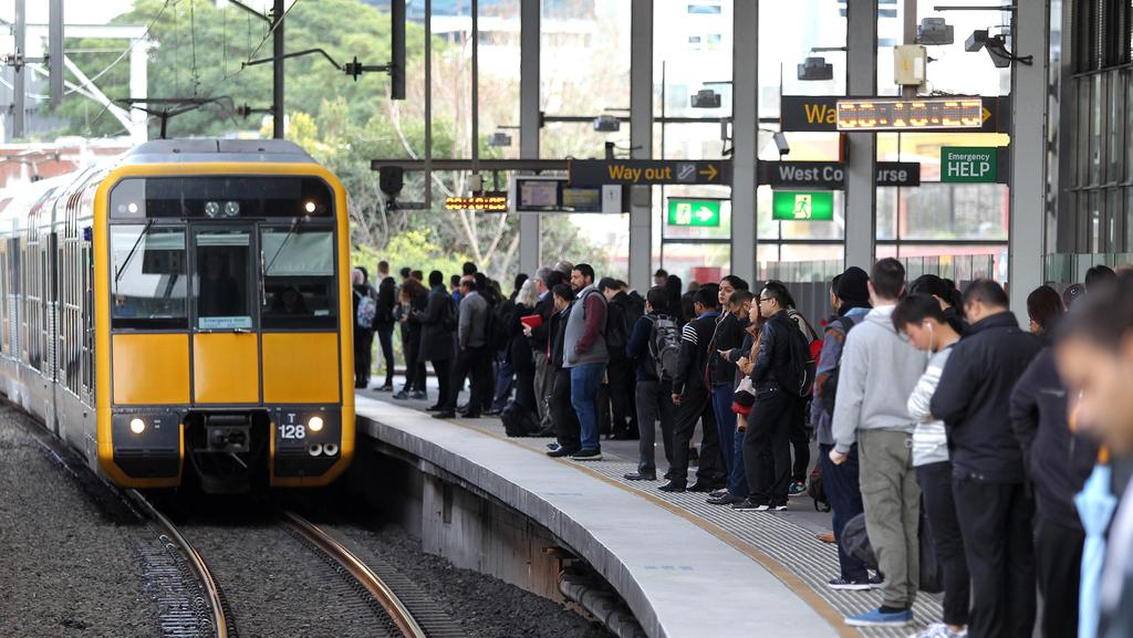 how to get to parramatta westfield by train