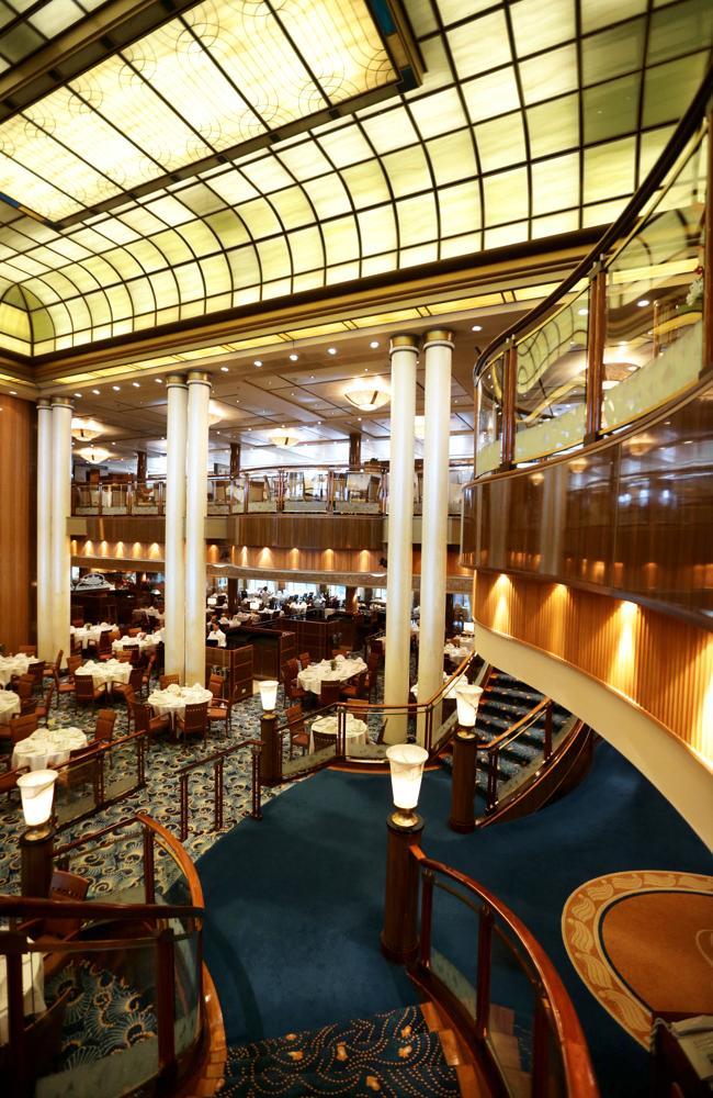 The Britannia Restaurant on QM2.