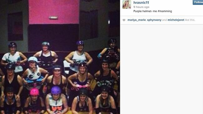 Why not recruit your entire roller derby team for some post-training #mamming?