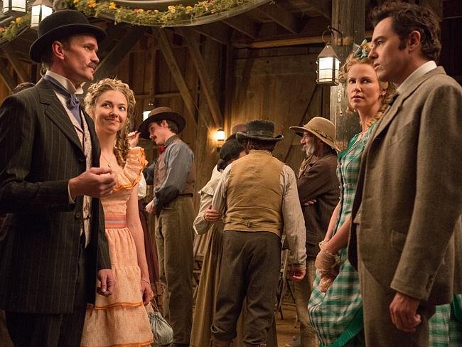 Neil Patrick Harris, Amanda Seyfried, Charlize Theron and Seth MacFarlane in a scene from