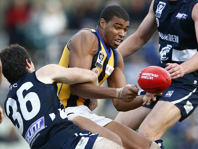 Jason Holmes in action for Sandringham in the VFL.