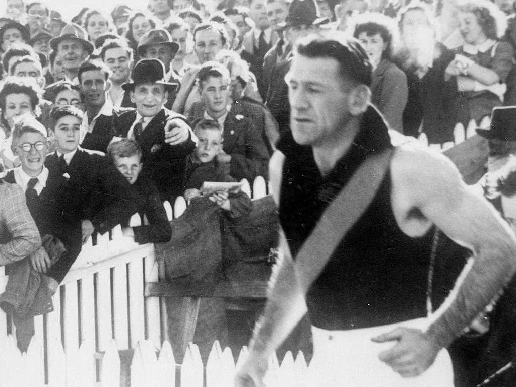 captain blood leads the tigers out for last time in 1949