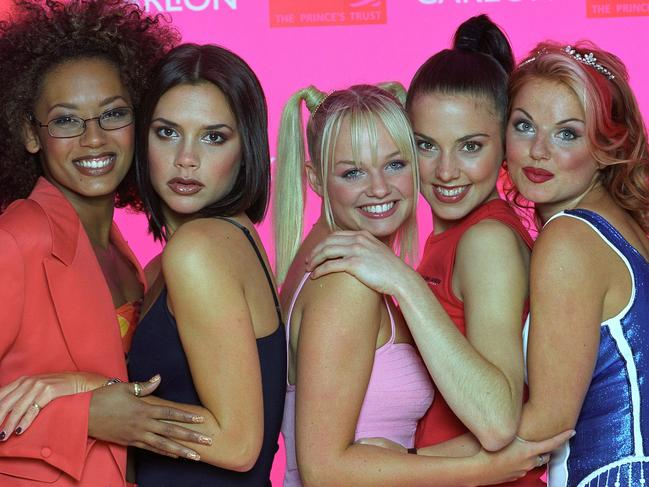 522259qo - The Spice Girls at 'A Royal Gala' celebrating 21 years of the Prince's Trust in 1997.  Pictured: Melanie Brown, Victoria Beckham, Emma Bunton, Melanie Chisholm and Geri Halliwell Ref: SPL713046  150697   Picture by: Rex Features  Splash News and Pictures Los Angeles: 310-821-2666 New York: 212-619-2666 London: 870-934-2666 photodesk@splashnews.com
