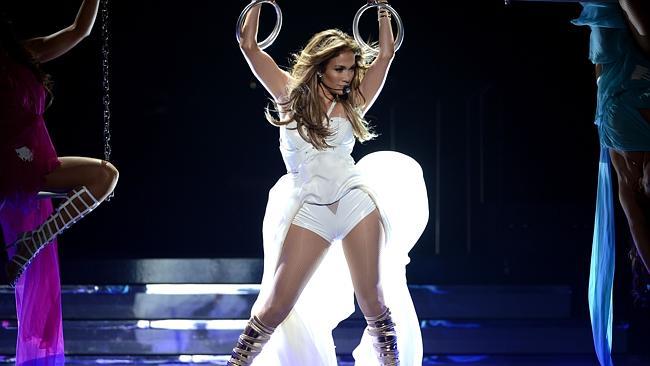 Jennifer performing on American Idol in 2013.