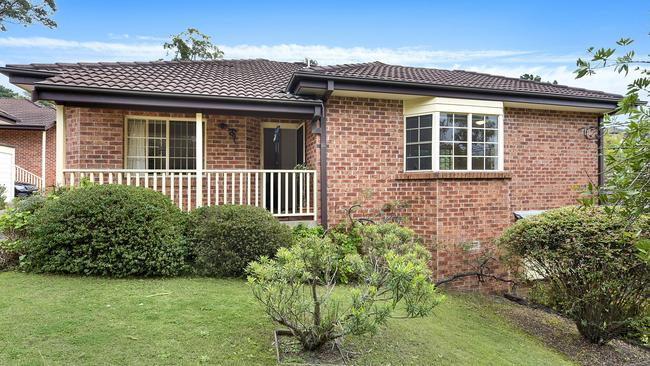 4/45-47 Little St, Lane Cove sold for $171,000 above reserve.