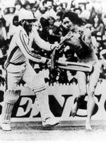 <p>Cricketer Greg Chappell hitting streaker using cricket bat in Dec 1984.</p>