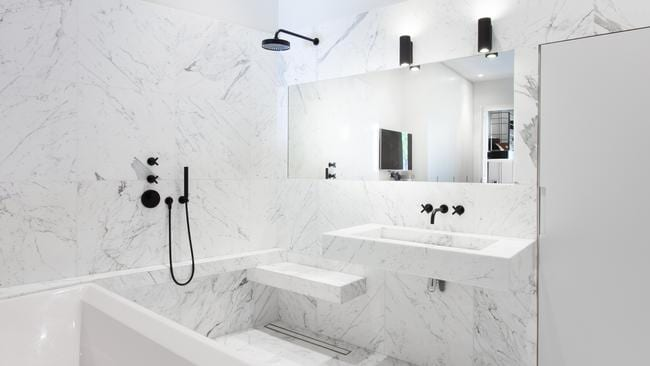 Place des Etats-Unis, Paris features a truly marble bathroom.