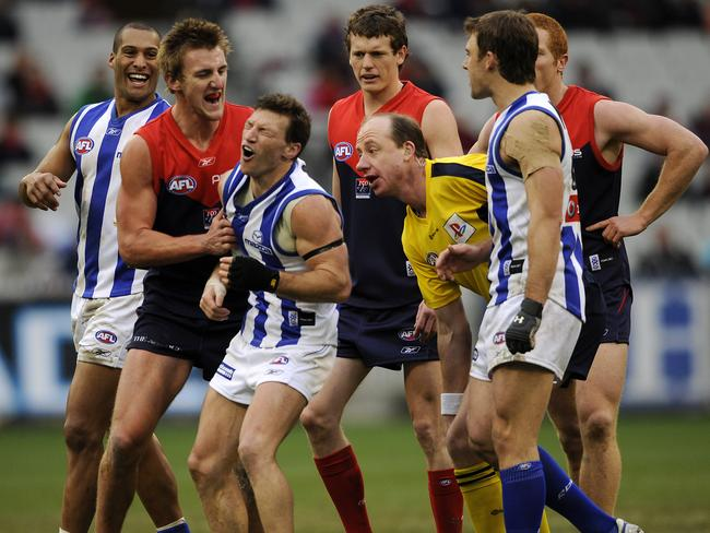 Lynden Dunn and Melbourne weren't too happy with Harvey in this 2008 clash.