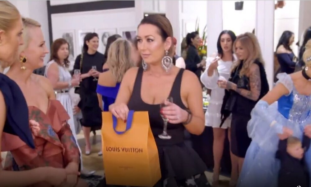 'Yummy Mummies' star outraged by designer push present