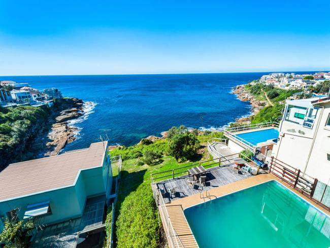 19 Mermaid Ave, Maroubra sold for $3.57 million
