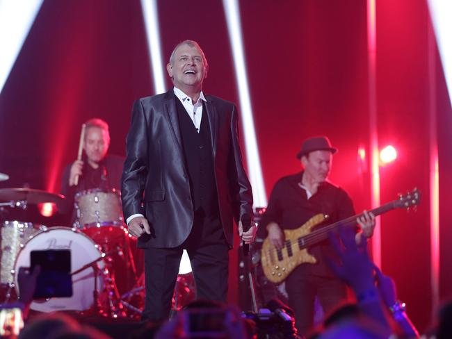 John Farnham closes the 2016 ARIA Music Awards with a live performance. Picture: Christian Gilles