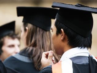 Generic picture of University of Sydney Students on graduation day 24 Apr 2009.