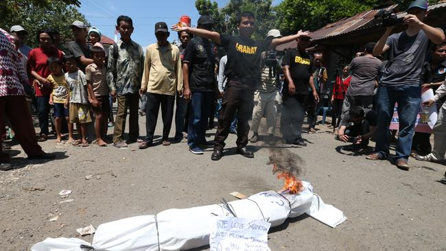 Rally ... an anti-drugs protest at Nusakambangan Island Port in Cilicap. Picture: Adam Taylor