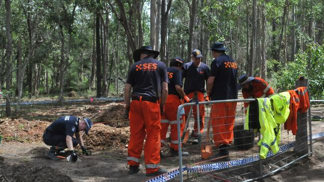 Gympie Police and SES crews conducting a search at the Goomboorian property where Bruce Saunders died in a woodchipper last year.