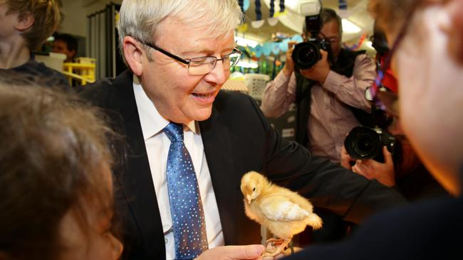 Kevin Rudd wins a new fan at Langwarrin Park Primary School in Melbourne. Picture: Adam Head