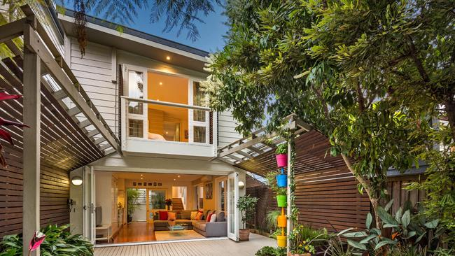 78 Foster Street, Leichhardt sold under the hammer for $201,000 over the reserve price.