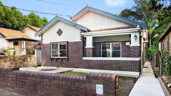 A house at 105 Croydon Ave, Croydon Park, New South Wales sold for $51,000 above reserve.