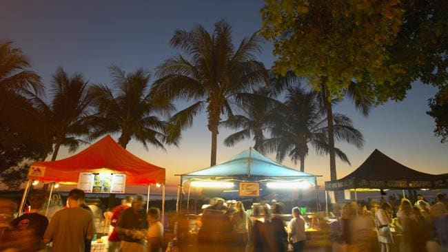 Stalls at Mindil Beach Sunset Markets, Darwin. Picture: Tourism NT.