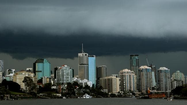 Storm rolls in over Brisbane. Pic Jono Searle.