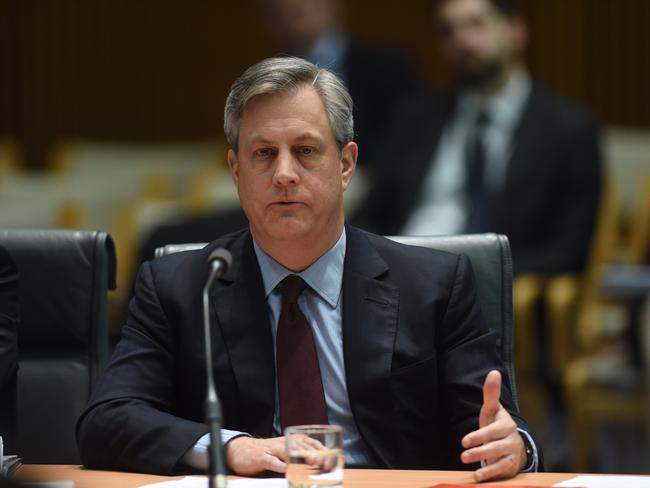 Westpac CEO Brian Hartzer tells the House of Representatives Standing Committee on Economics that tracker mortgages are 'fraught' with risk.