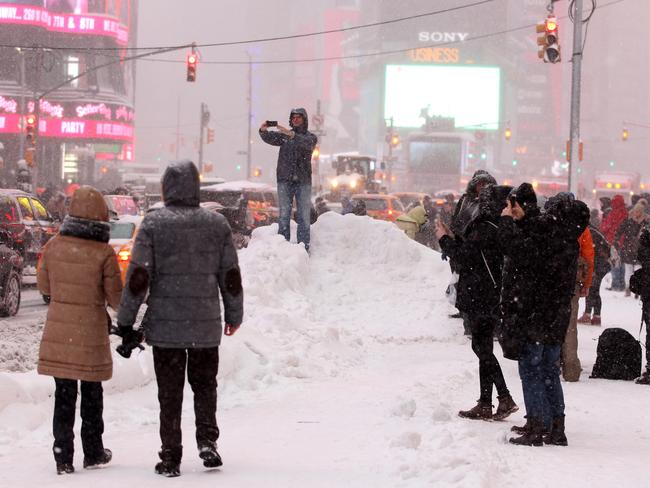 Winter Storm Jonas ... some New Yorkers braved the heavy snow and blizzard conditions to snap selfies. Picture: Nathan Edwards