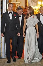 <p>The Duchess of Cambridge in a beautiful one-shouldered silver gown at a dinner reception in aid of the National Memorial Arboretum Appeal at St James's Palace, November 10, 2011. Photo: Lefteris Pitarakis / AFP</p>