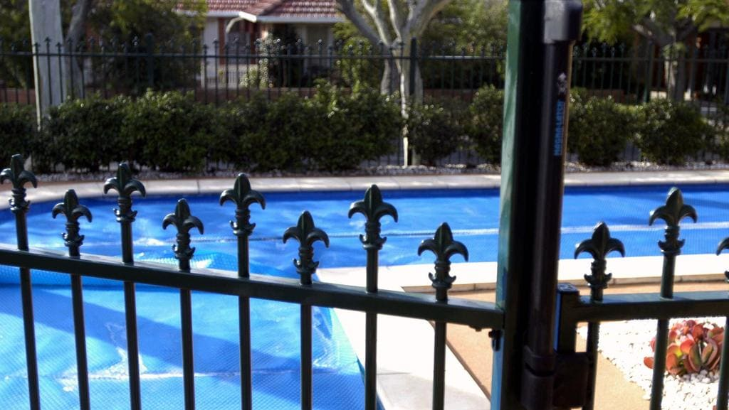 Nt Government Considering Changing Pool Fence Laws For Larger Blocks Adelaide Now