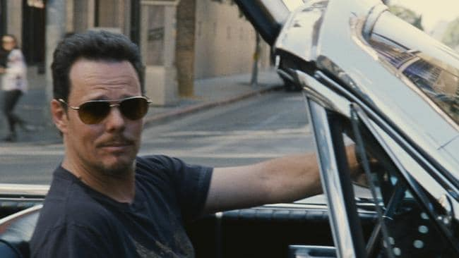 Image result for Kevin Dillon wearing sunglasses in entourage