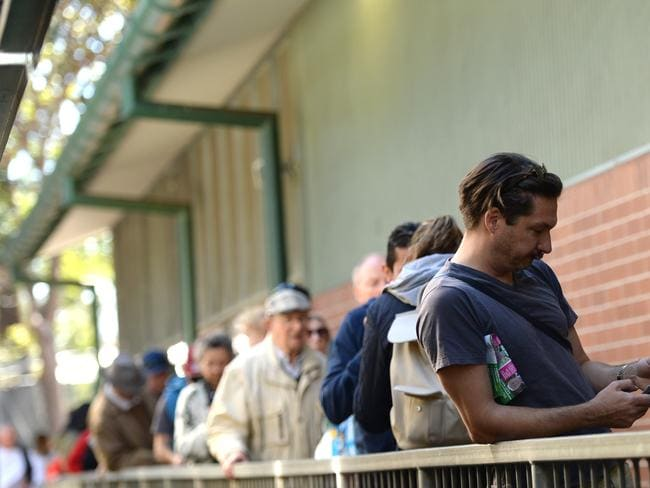 Voters line up to vote at Randwick Public School. Pic: AAP Image/ Jeremy Piper