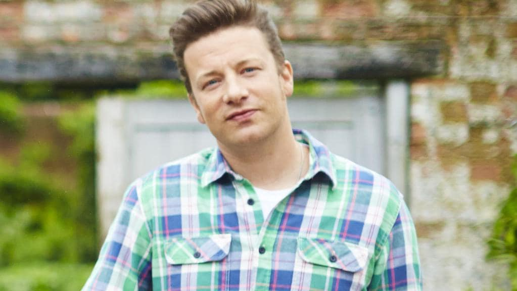 Jamie oliver slammed for inauthentic take on classic west for Chef comes to your house