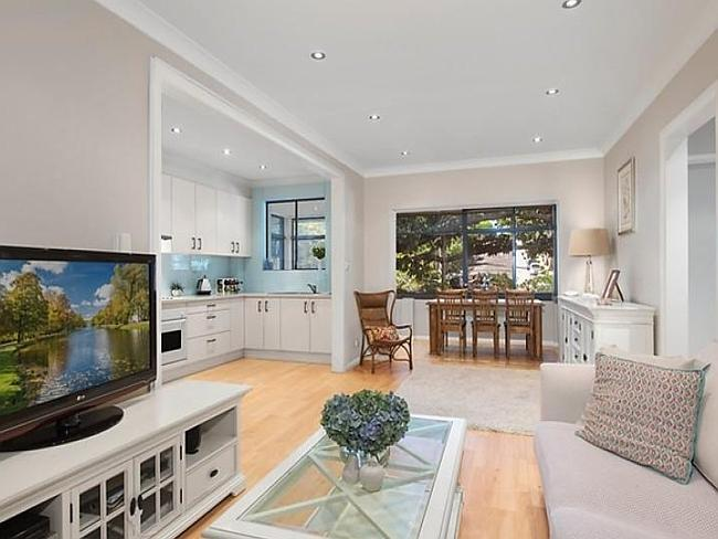 9/1 Pitt St, Randwick sold for $785,000 at auction.