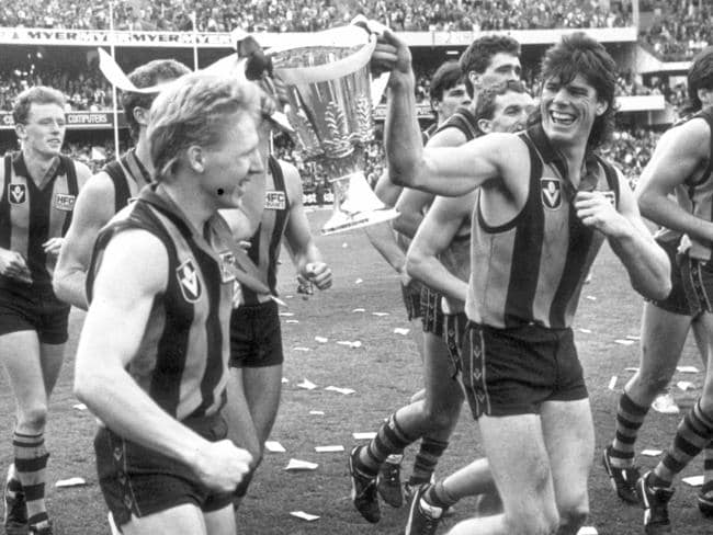Andy Collins and Gary Ayres with the 1998 premiership cup.