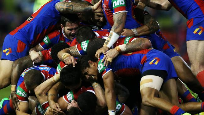 That's Kurt Gidley on the bottom of the pile.