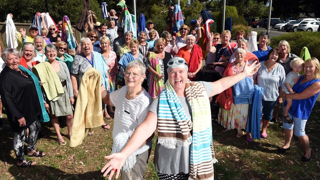 Residents unite for renewed push to get controversial Public swimming pools mornington peninsula